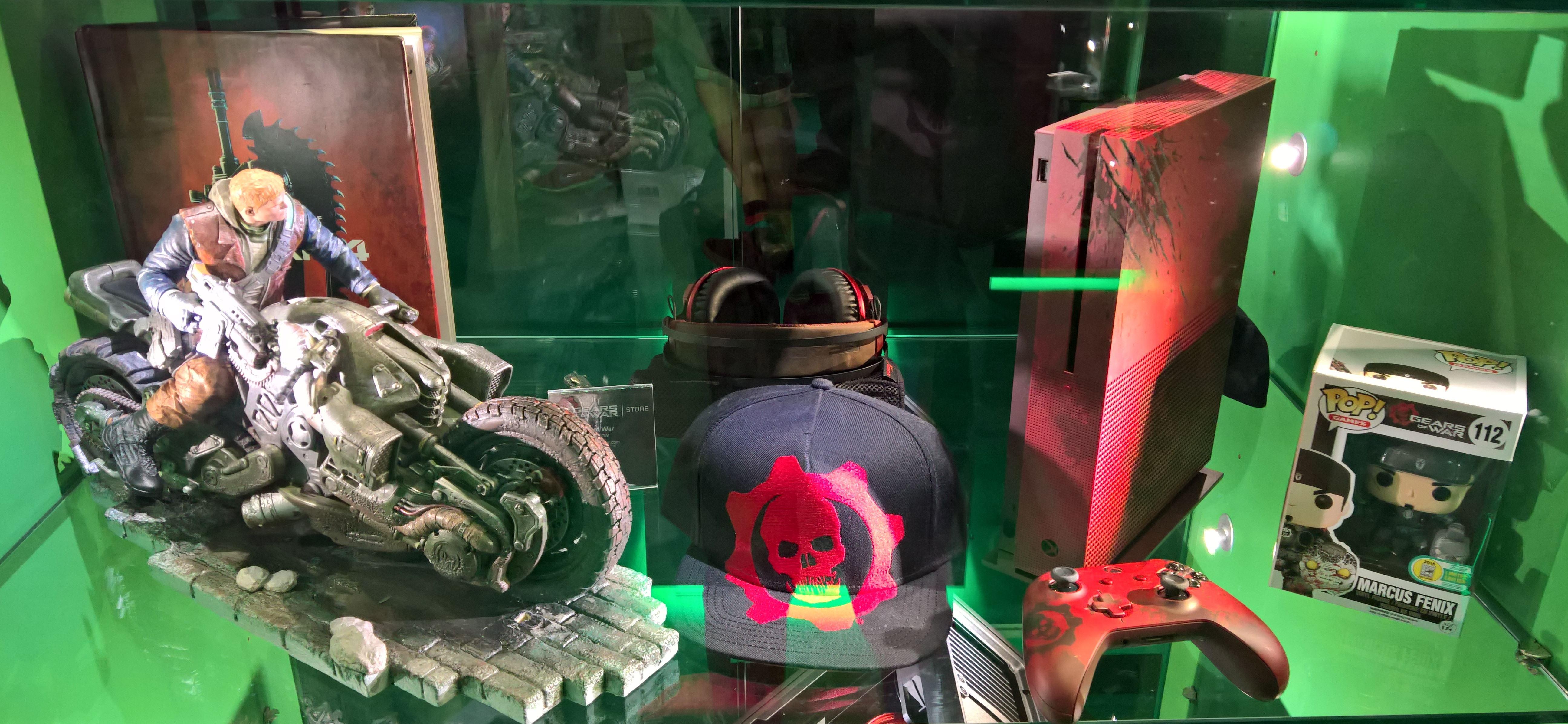 Gears of War 4 Figur und Konsole